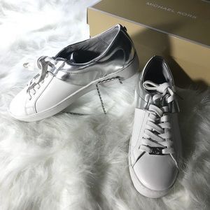 🚺 MICHAEL KORS womens TOBY lace up sneakers